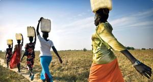 Muchos africanos tienen que recorrer muchos KMs para obtener agua. Foto elmundodewayne